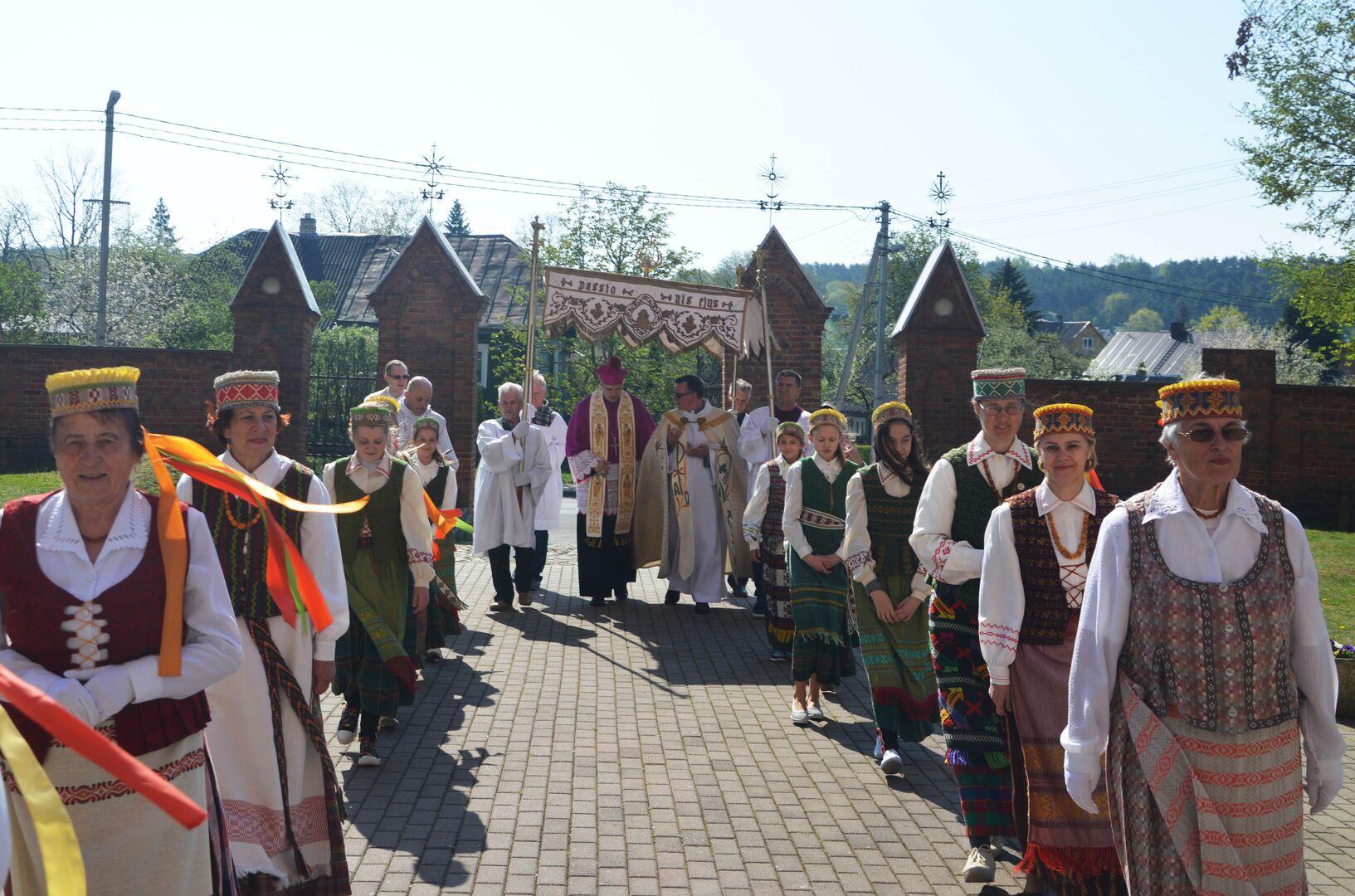 """Vyskupo vizitacija Anykščiuose: """"Linkiu, kad bažnyčia netaptų muziejumi"""""""