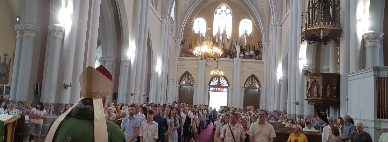 Sutvirtinimo sakramentas Anykščių bažnyčioje